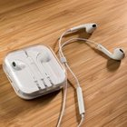 Earbuds, w/ Remote & Mic, Green